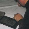 Georg signiert sein Buch