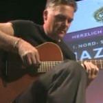 """""""Der Georg"""" auf dem Nord-Süd-Ost-Tiroler Jazz-Abend 2009 - mit vertonten Gedichten von Georg Paulmichl"""